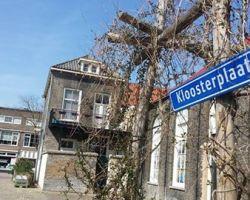 STRAATNAAMBORD 'KLOOSTERPLAATS' SCHIEDAM VERDWENEN