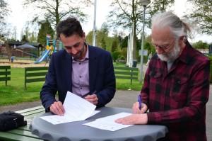 Ondertekening beheerovereenkomst fruitbomen.