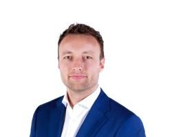 'VLAARDINGSE D66-TROL KOMT NIET WEG MET EXCUUS'