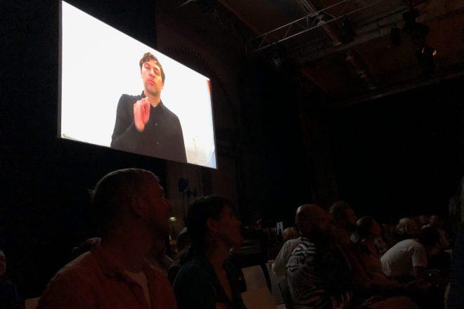 Titus Engel auf Abstand. Foto: Hufner