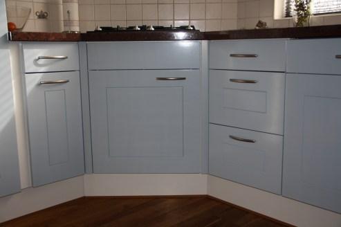 Keukenkast deurtjes en lades spuiten