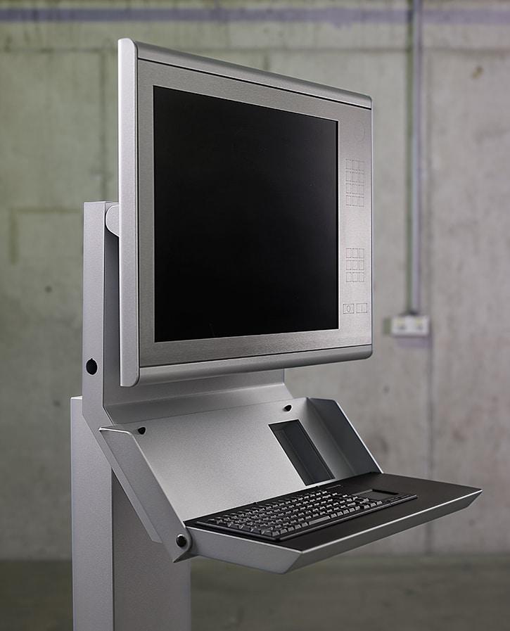 Bediengehäuse Kantroboter - Robustes Bediengehäuse für Kantroboter mit eingebauter Tastatur und Bildschirm.