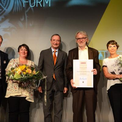 Schinko 25 Jahr Feier - Geschäftsführer Gerhard Lengauer mit Gattin, Präsident der Wirtschaftskammer Österreich Dr. Christoph Leitl und Geschäftsführer Michael Schinko mit Gattin.