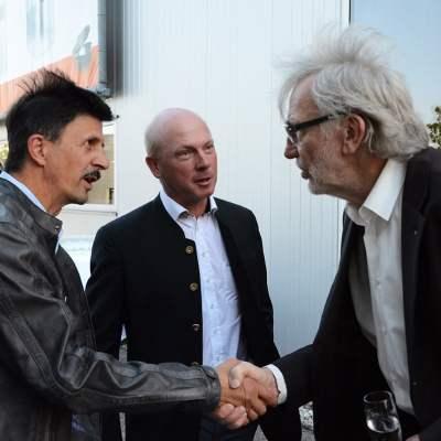 Schinko 25 Jahr Feier - Persönliche Begrüßung von Geschäftsführer Michael Schinko beim Empfang zum Festakt der 25 Jahr Feier der Firma Schinko.