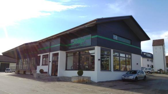 "Unser neues Firmengebäude ""Annahme - Ausstellung - Service"""