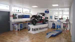 Unsere Motorradservice-Werkstatt mit Ausstellungsraum 003