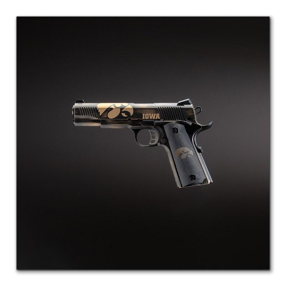 iowa hawkeyes gun