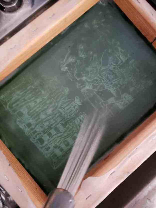 washing a silkscreen