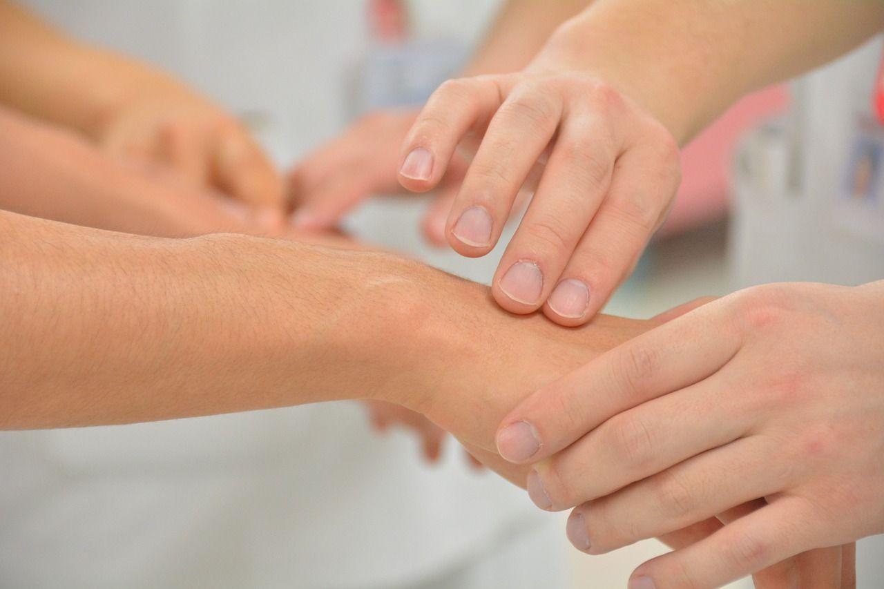 hand gebrochen symptome und