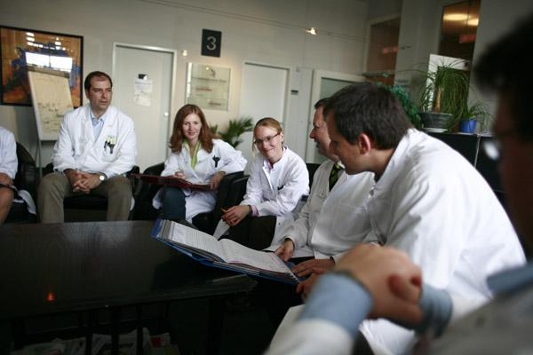 Schmerzkonferenz des interdisziplinären Teams der Schmerzklinik Kiel
