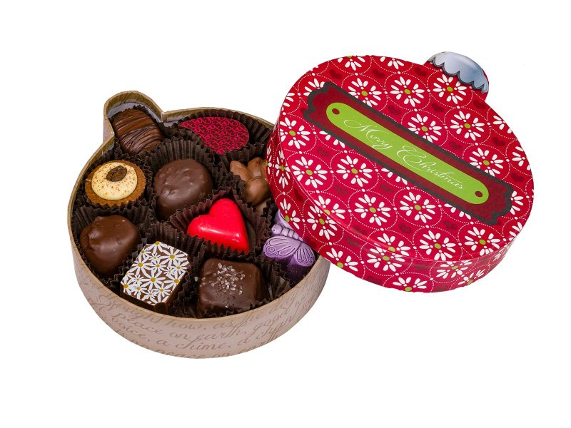 Christmas ornament design gift box with 10 chocolates and truffles