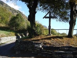 Kreuz am Burghügel