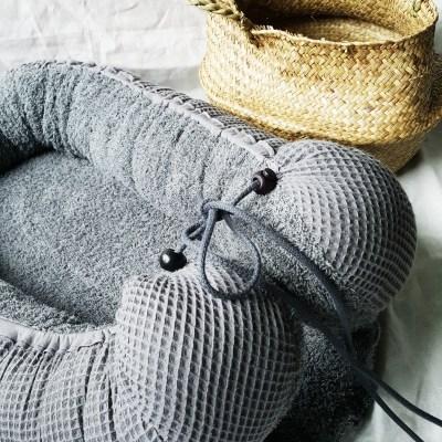 Baby-Cocoon Frottee dunkelgrau / Waffelpique dunkelgrau