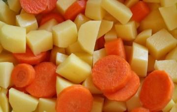 Karotten-Kartoffel-Eintopf im Schnellkochtopf