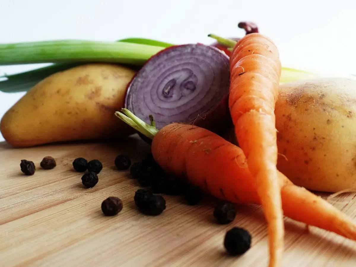 Kartoffel-Karotten-Suppe im Schnellkochtopf