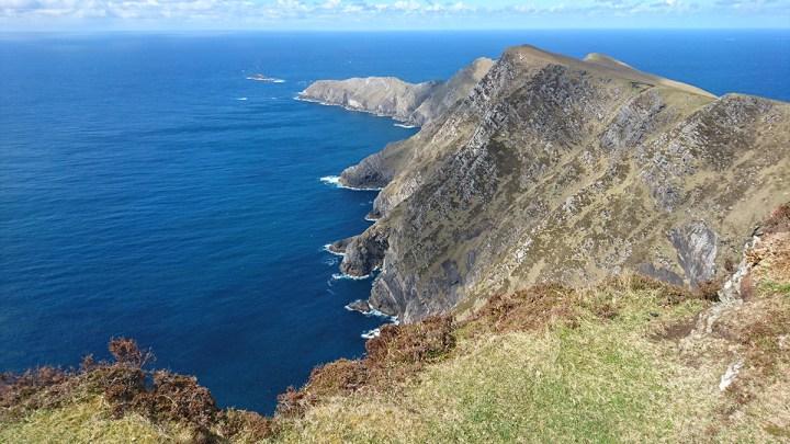 Klippen von Achill Island