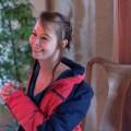 Spass trotz Kälte Ana beim Shooting im Ballsaal