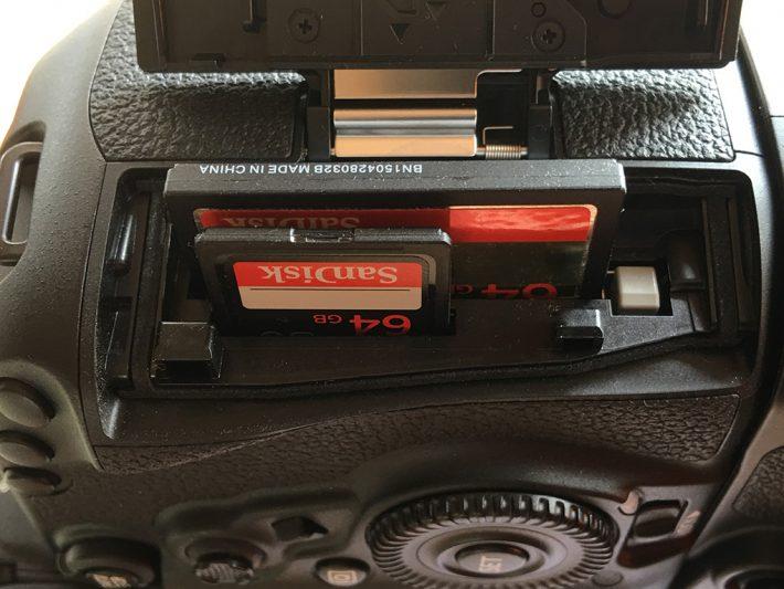 Canon 5D Mark IV: Speicherkarten in den Kartenslots