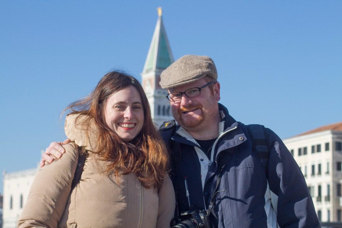 Das erste Mal gemeinsam in Venedig. Fee und Chris mit dem Campanile im Hintergrund