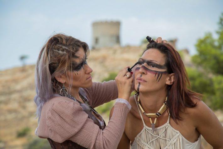 Modell und Visa Olivia-Anna Beekman und Marian bei der Maske