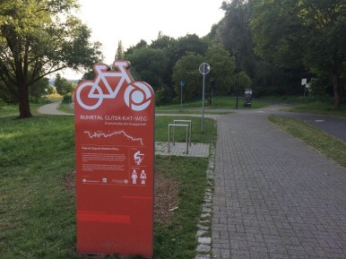 Ruhrtalradweg am Kemnader See