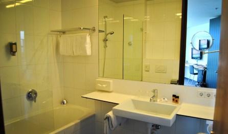 parkhotel-hall-badezimmer-turm