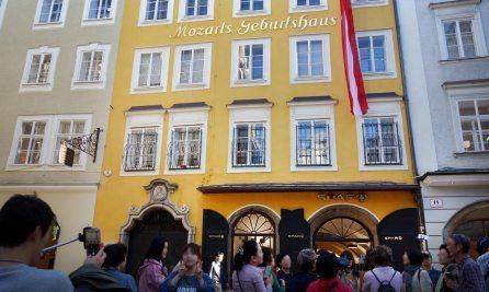 Darf in Salzburg nicht fehlen: Mozarts Geburtshaus