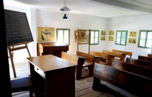 salzburger-freilichtmuseum-klassenzimmer