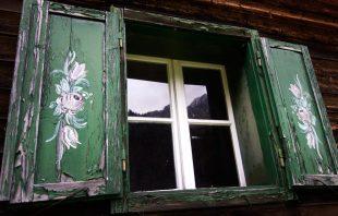 Fensterladen - Alte Tschangelair Alm Stubai