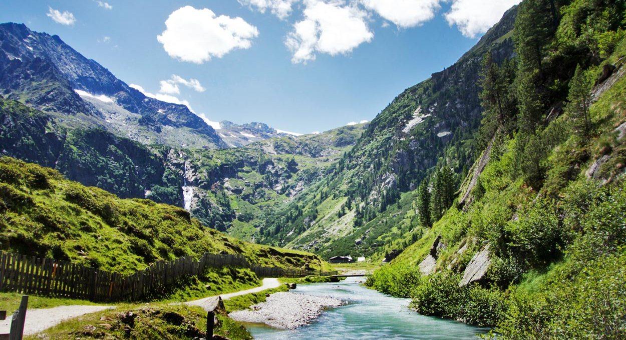 Blick zur Sulzenau-Alm – Stubaital Tirol