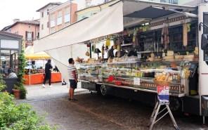 Marktstand in Dogliani