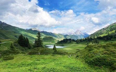 Landschaft am Hochtambergpass mit Kalbelesee