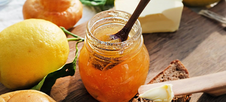 Zitronenmarmelade nach einem einfachen Rezept