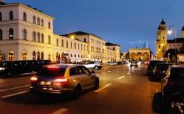 Odeonsplatz am Abend