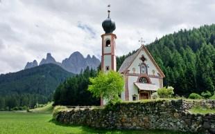 Kirche St Johann in Ranui im Villnösstal