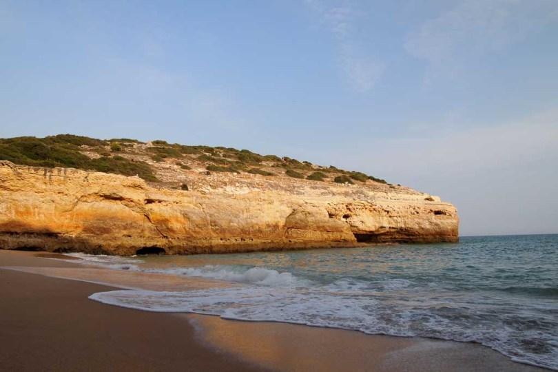 Strand Praia do Carvalho an der Algarve Portugal