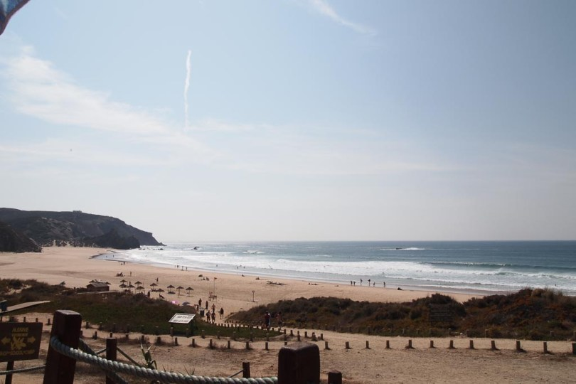 Surfstrand Praia do Armado am Atlantik in Portugal