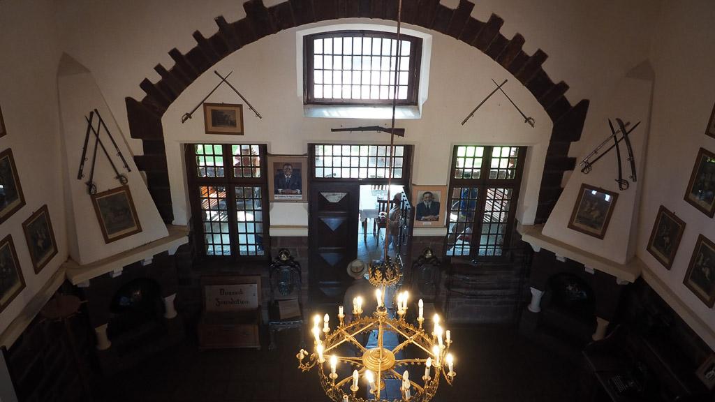 Foto: Foyer im Schloss Duwisib