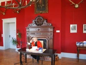 Petra Elsner liest im Jagdschloss. Foto: Lutz Reinhardt