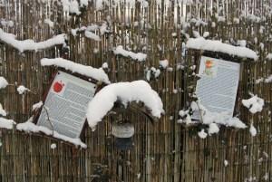 Auch die Märchen im Lesegarten halten Winterschlaf. Foto: Petra Elsner