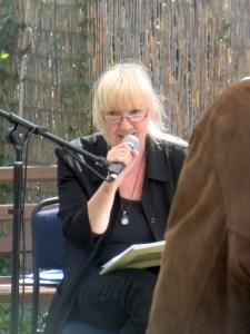 Petra Elsner liest im Blumenmond zum Ateierfest, Mai 2015