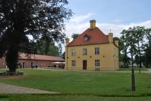 Jagdschloss nebst Remise. Foto: Lutz Reinhardt