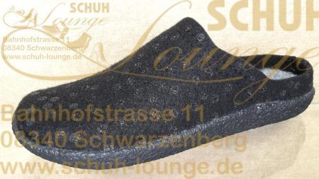 Mit Potenzial zum neuen Lieblinsschuh präsentiert sich dieser schwarze Filzpantoffel für Damen aus der neuen Hans Herrmann Collection.