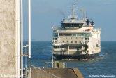 Een nog nieuwe Wagemaker nadert de fuik van Den Helder op een mooie winterdag begin 2006.