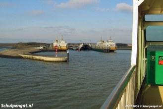 Een blik op 't Horntje, de veerhaven van Texel. De Molengat en Schulpengat liggen op reserve.