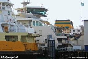 Meestal heeft TESO twee boten in de vaart, maar als er net een nieuw schip in de vaart is, kun je foto's maken van drie TESO-veerboten tezamen.
