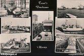 Deze ansichtkaart laat prachtig zien wat voor een drukke bedoeling de Texelse veerhaven was in de jaren 60.