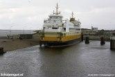 Op deze zomerdag in 2004 is de Schulpengat de dienstboot en ligt de Molengat op reserve aan de Texelse onderhoudskade.