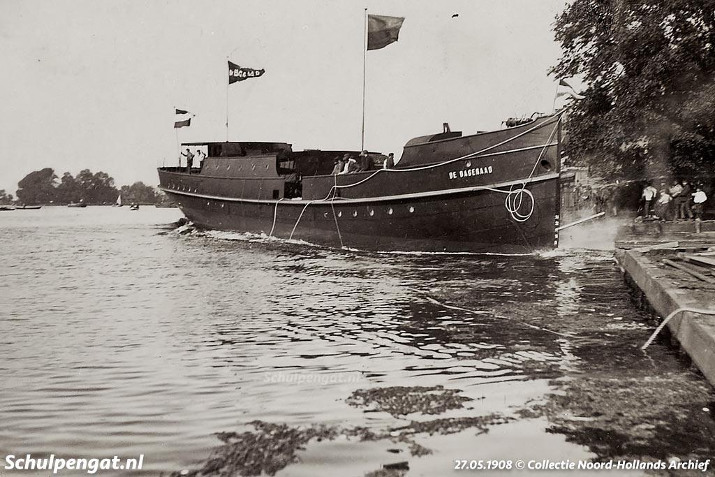 De eerste eigen (nieuwe) Texelse veerboot was de schroefstoomboot De Dageraad uit 1908