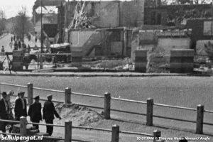 Zicht op de oorlogsschade bij het Havenplein in Den Helder